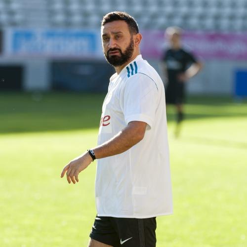 Cyril Hanouna, dingue de sport
