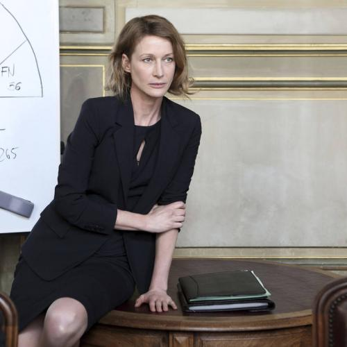 "Astrid Whettnall dans le ""House of Cards"" version française"