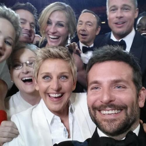 And the selfie goes to… Bradley Cooper !